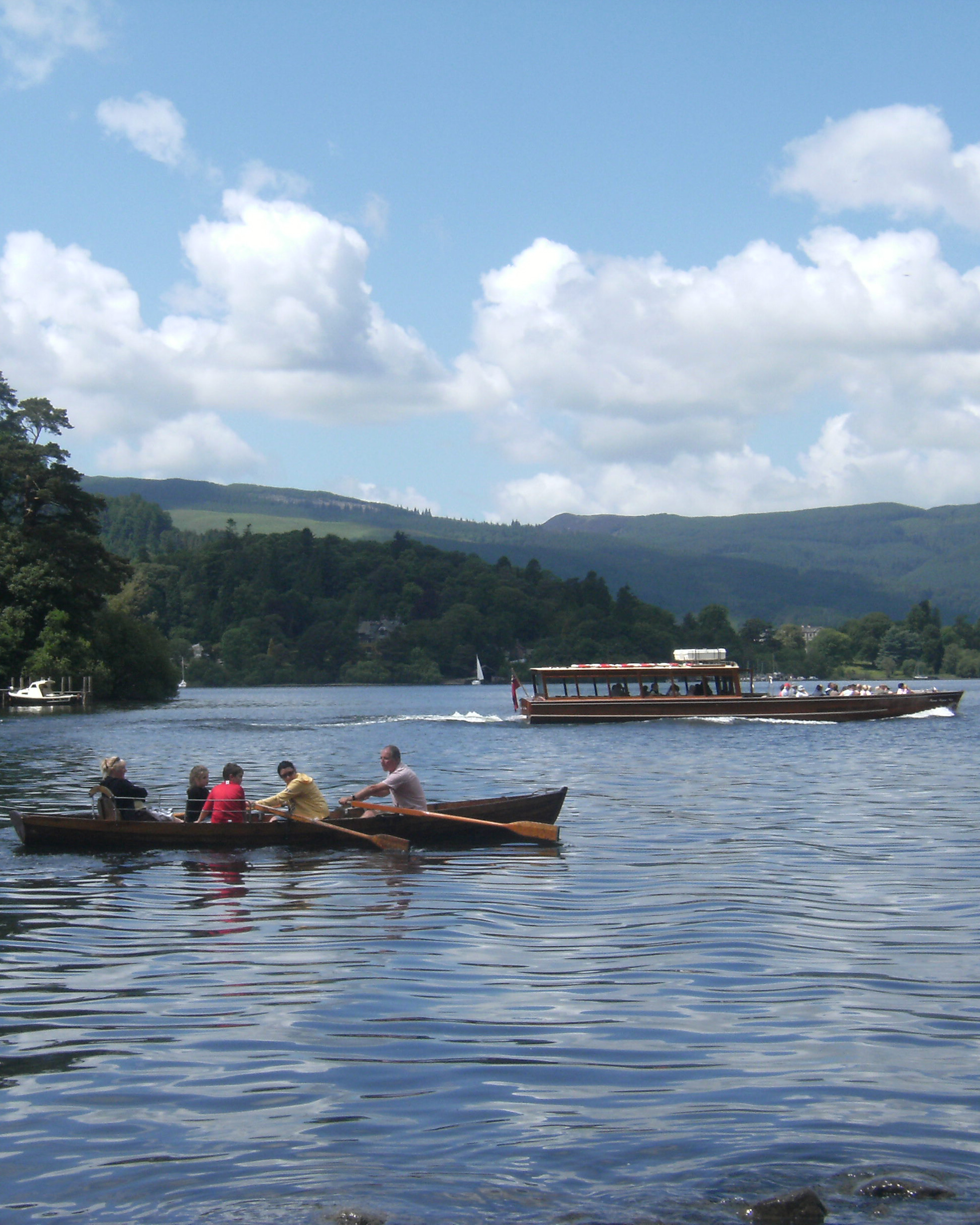 Boating on Derwentwater © Andrew Newton